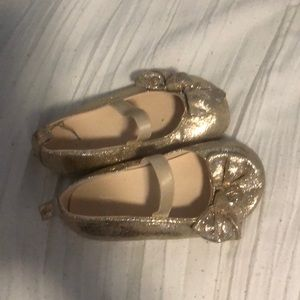 H&M little girl gold dress shoes